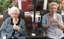 Care home residents enjoy ice lollies